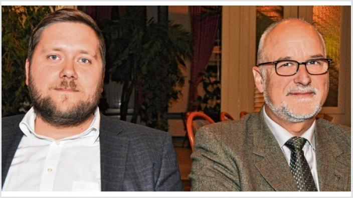 Die neue Doppelspitze in der CDU-Kreisgeschäftsstelle: Johann Hansen (r.) wird Nachfolger von Peter Labendowicz als Kreisgeschäftsführer, Marko Förster sein Stellvertreter und Pressesprecher. Foto: Schwark